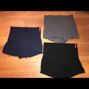 3 pairs of spandex